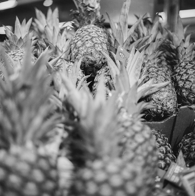 Pineapple market fruit, food drink.