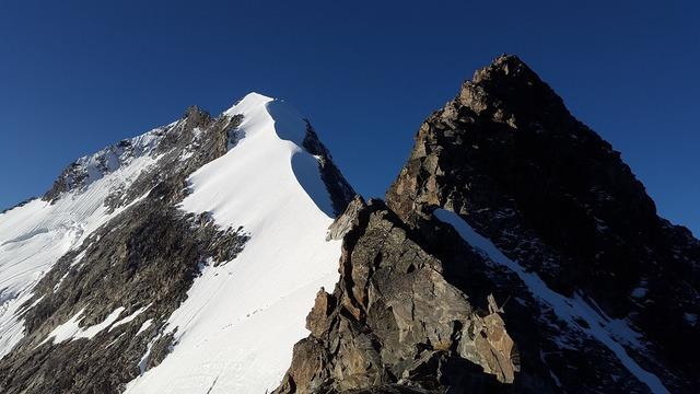 Piz bernina alpine biancograt.