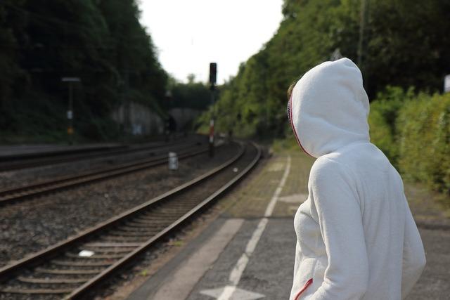 Platform travel track, travel vacation.