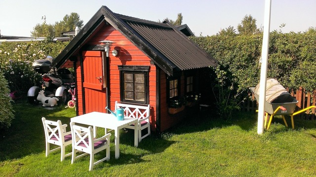 Playhouse children shed.