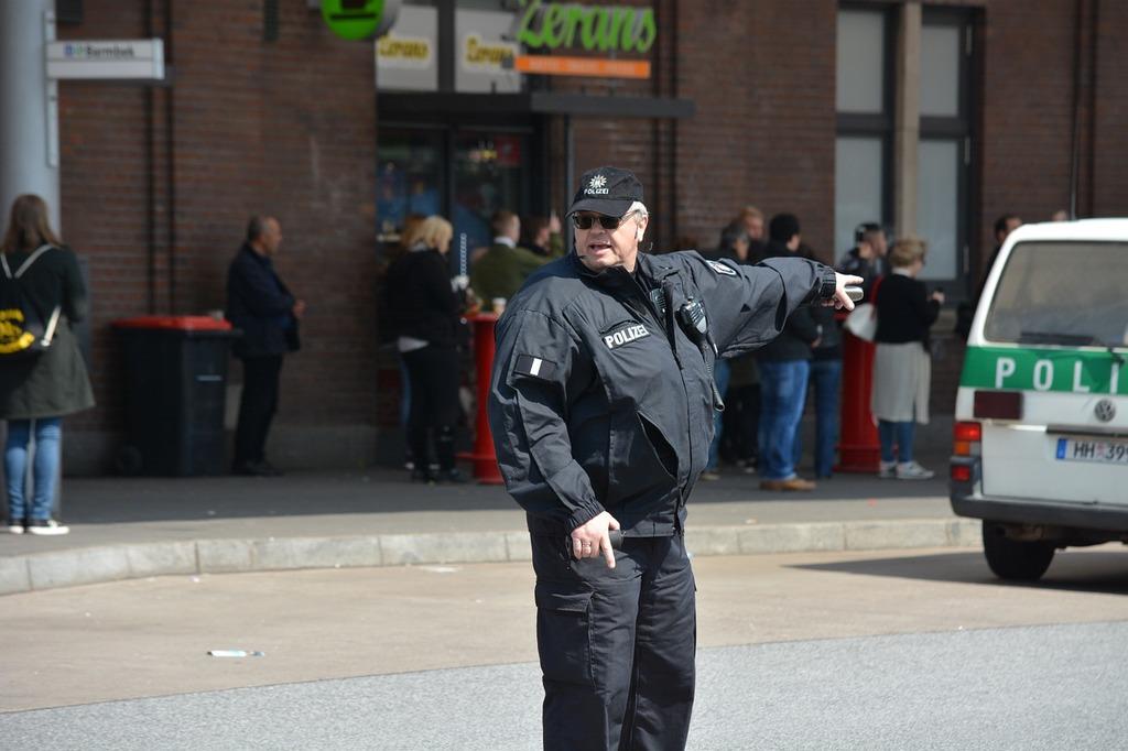 Police hamburg 1 may.