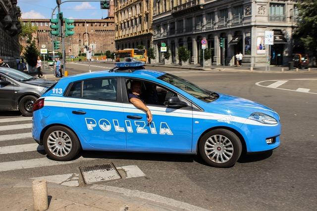 Police polizia road, transportation traffic.