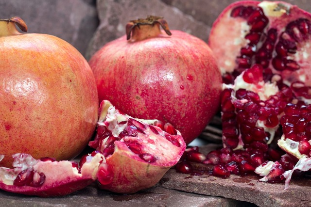 Pomegranate fruit cores, food drink.