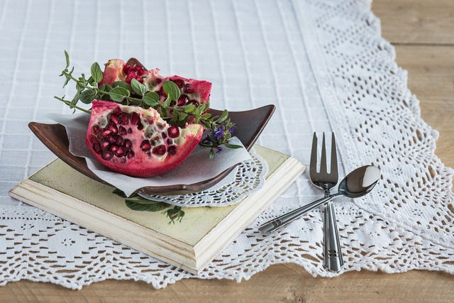 Pomegranate pomegranate seeds fruit, food drink.