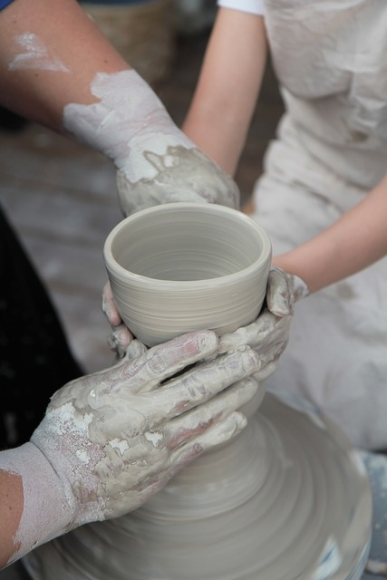 Porcelain qualitative hand.