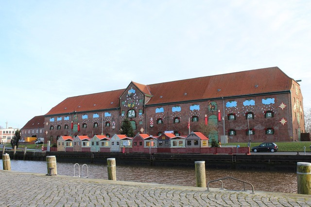 Port tönning memory, architecture buildings.