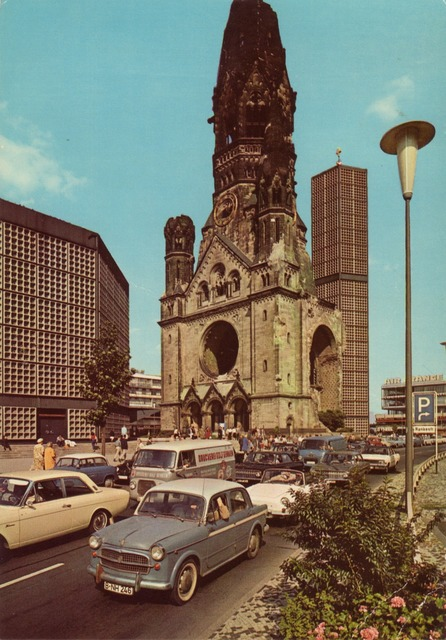Postcard berlin gedächtniskirche, architecture buildings.