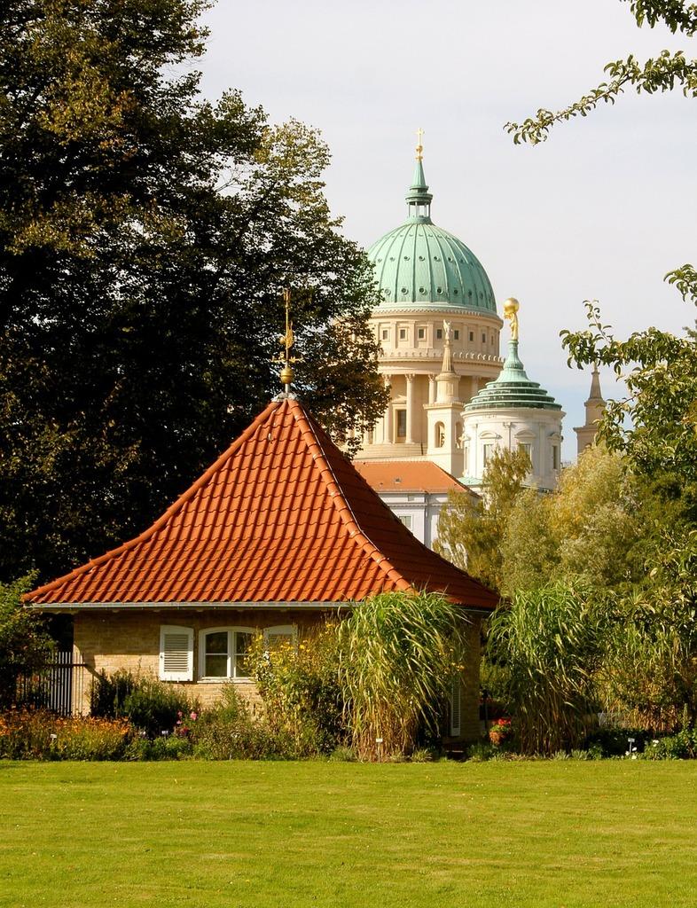 Potsdam nikolai church friendship island.