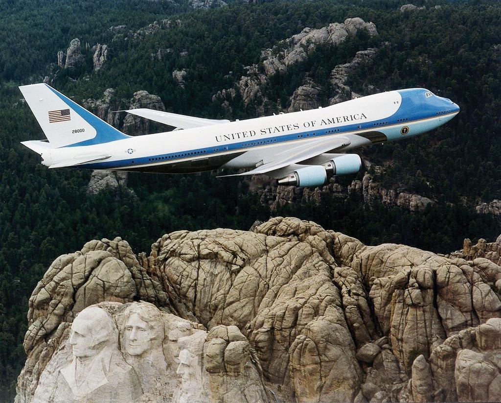President machine aircraft air force one.