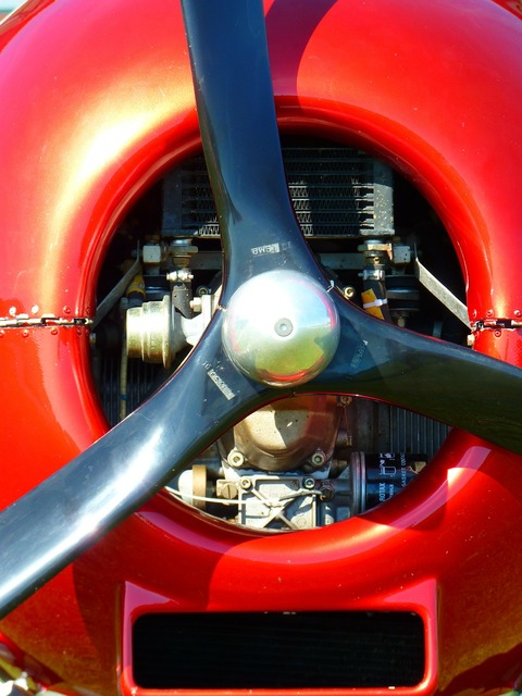 Propeller motor aircraft.