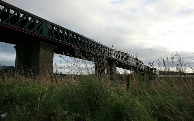 Queen alexandra bridge bridge overpass, transportation traffic.