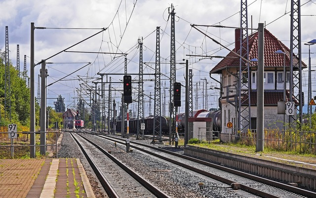 Railway line route railway station.