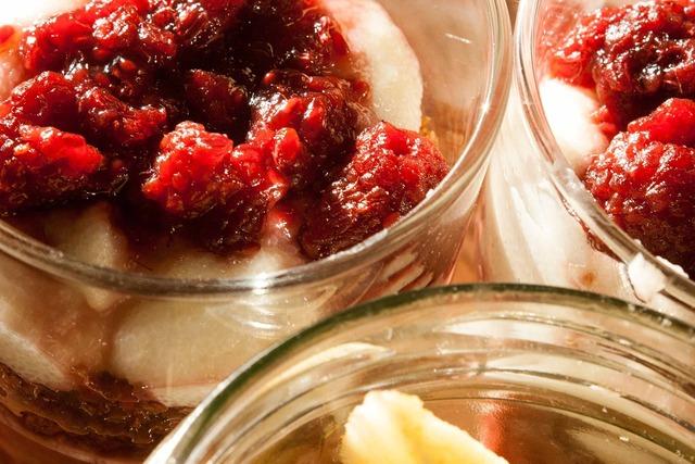 Raspberries dessert fruit, food drink.