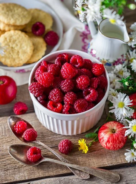 Raspberry berry ripe, nature landscapes.