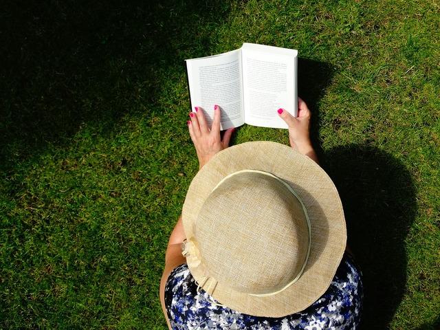 Read book books.