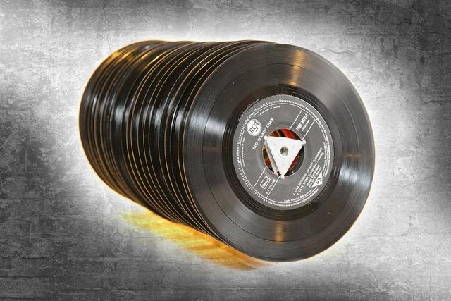 Records music tinge, music.