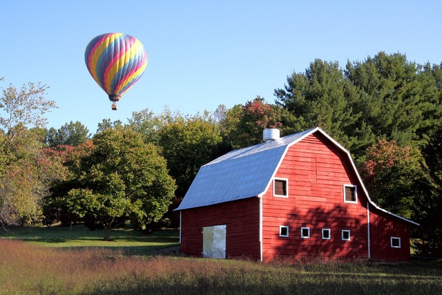 Red barn hot air balloon asheville.