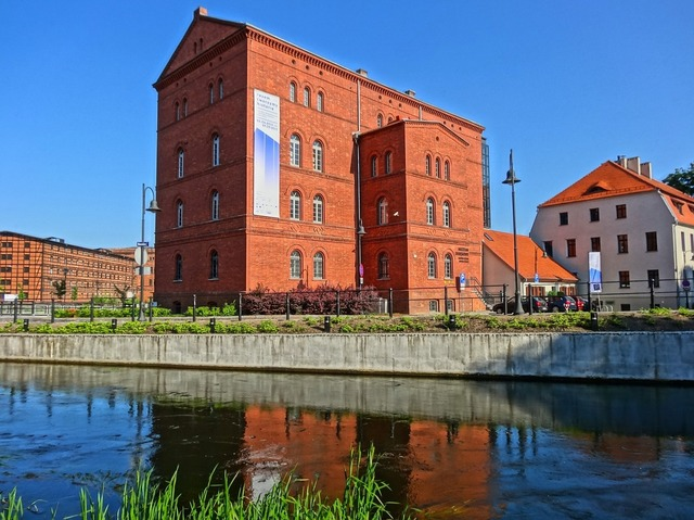 Red granary bydgoszcz mill island, architecture buildings.