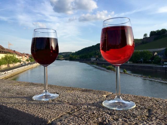 Red wine wine glass.
