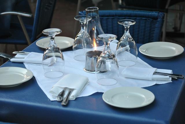Restaurant table setting.