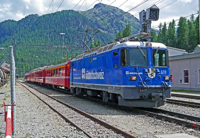 Rhaetian railways engadin graubünden, travel vacation.