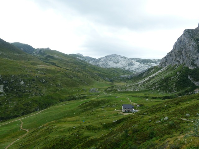 Rifugio mondovì rifugio garelli alpine hut.