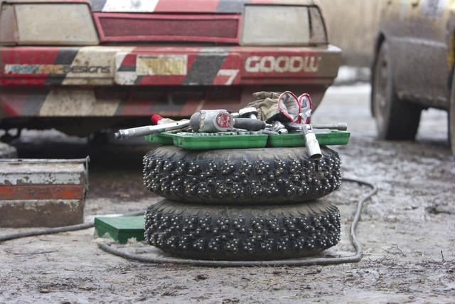 Rims thorn rubber, transportation traffic.