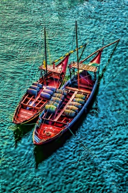 River porto boats.