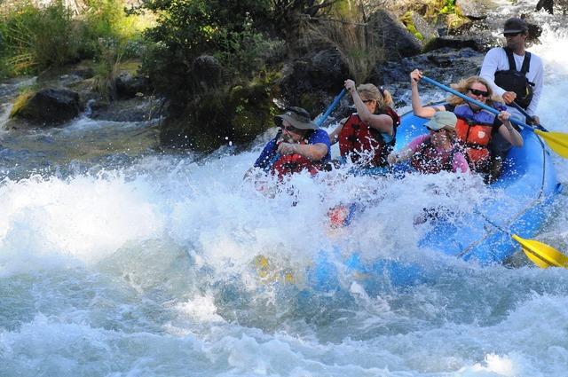 River rafting oregon.
