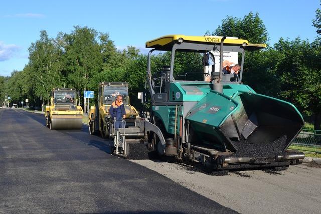 Road repair road repair, transportation traffic.