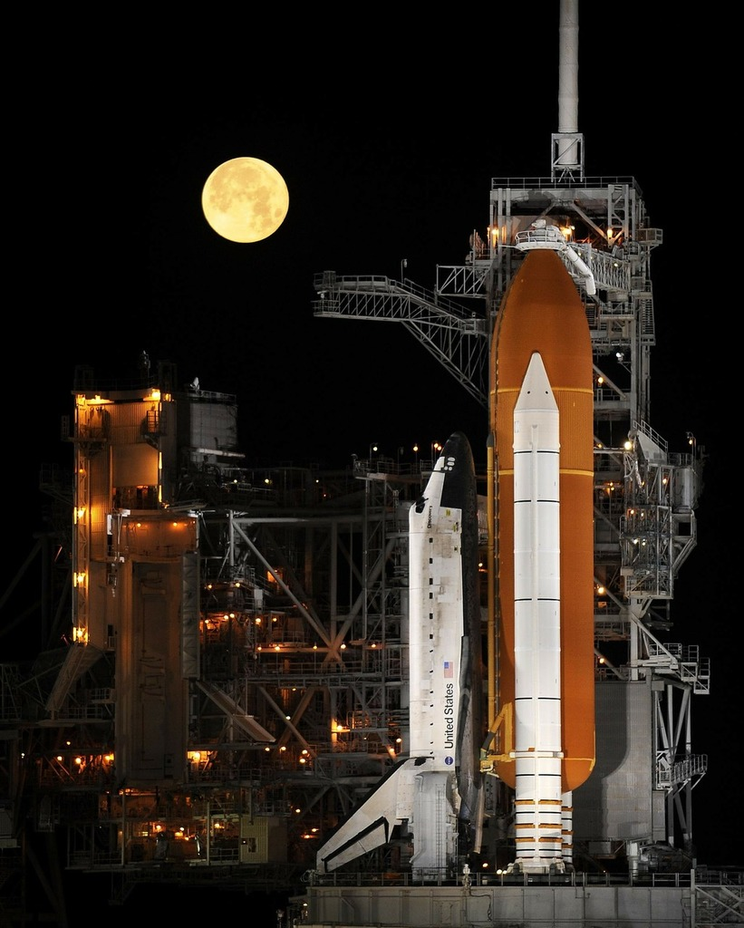 Rocket launch night space shuttle, science technology ...