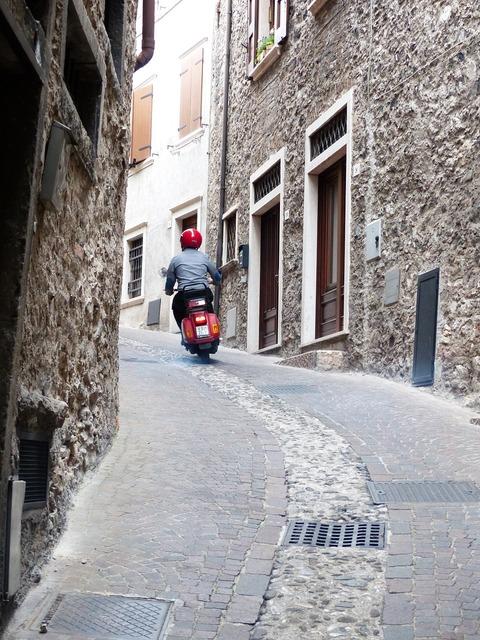 Roller motor scooter drive, transportation traffic.