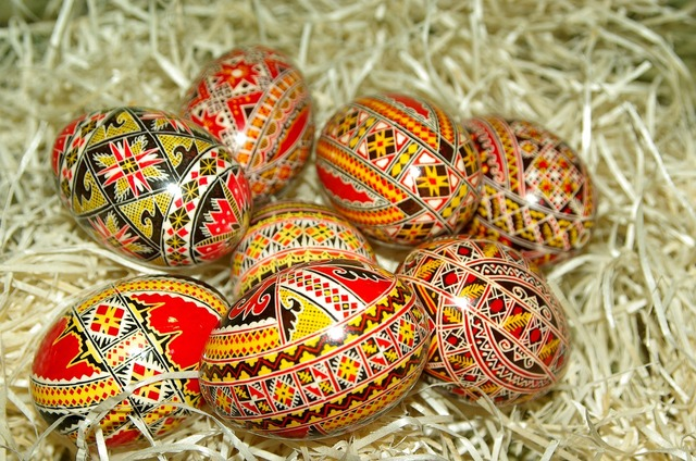 Romania easter eggs painted œufs.