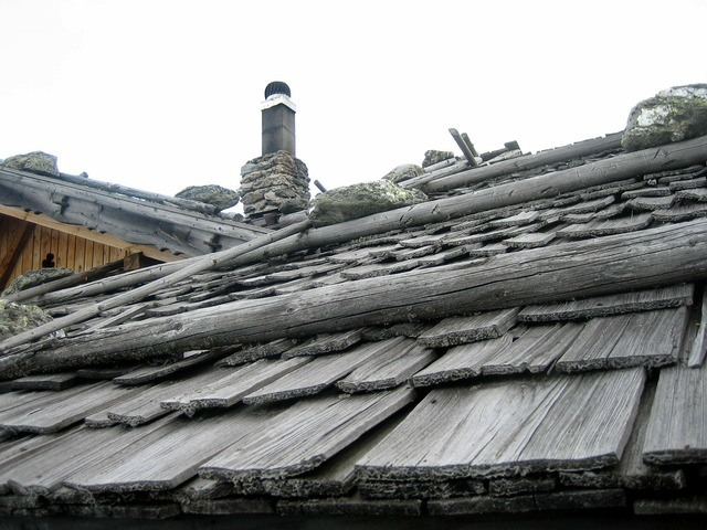 Roof hut alpine.