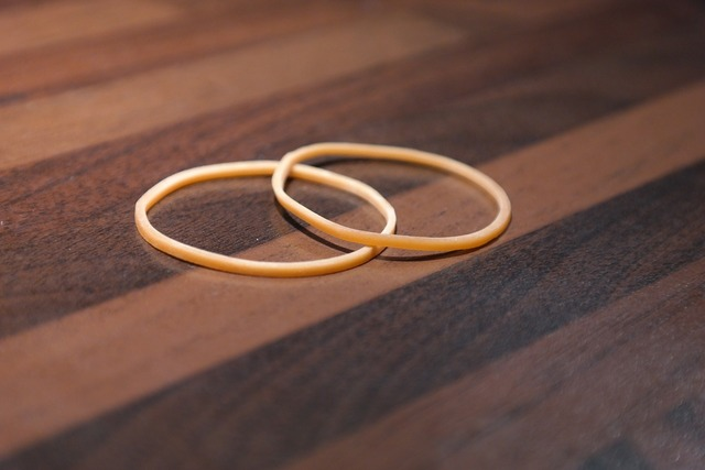 Rubber bands rubber rings rubber.
