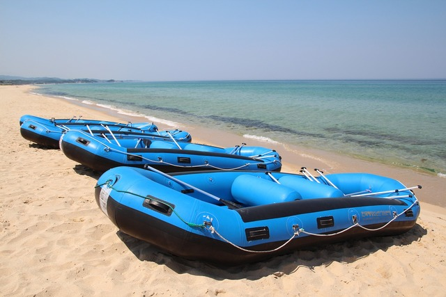 Rubber boats boat times, travel vacation.