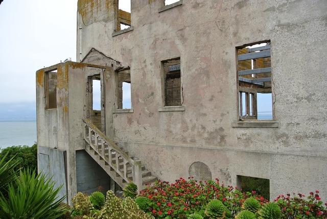 Ruin leave lapsed, architecture buildings.