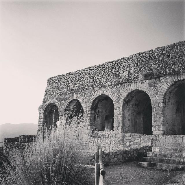 Ruins excavations romano, religion.