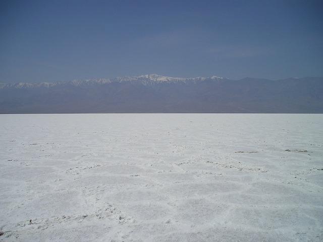 Salt lake usa death valley.