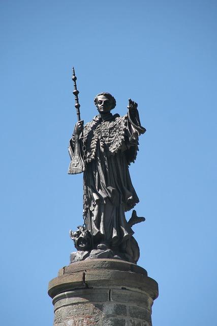 San bernardo colle statue.