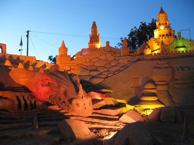 Sandburg fiesa sand sculpture.