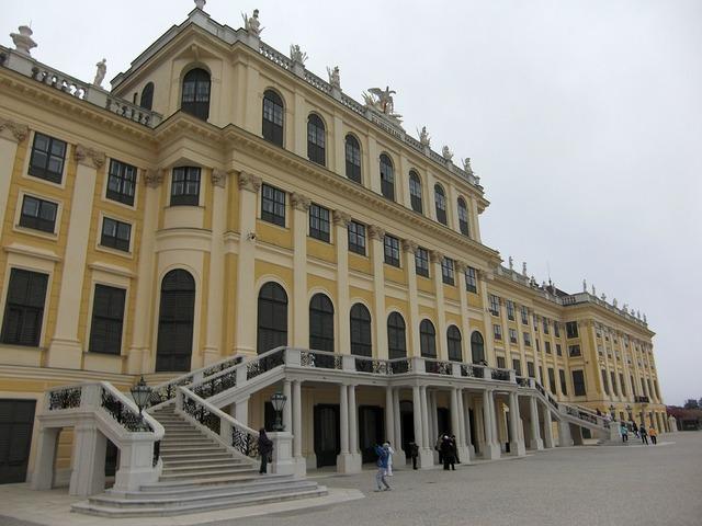 Schönbrunn castle vienna.