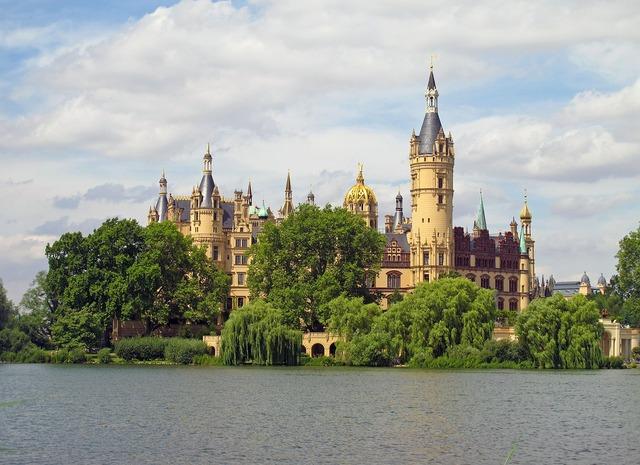 Schwerin castle lake schwerin.