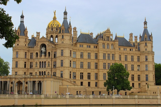 Schwerin castle mecklenburg western pomerania, architecture buildings.