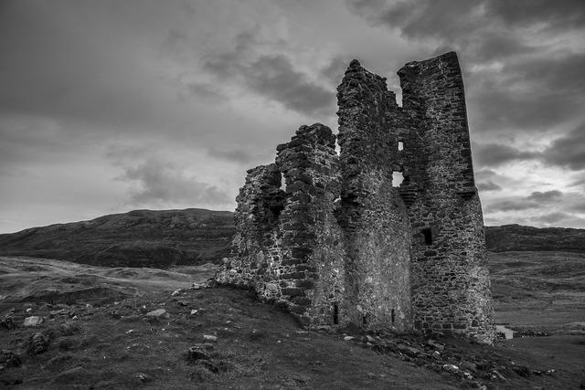 Scotland castle ruin, places monuments.