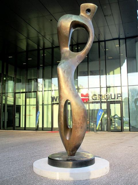 Sculpture bronze input range.