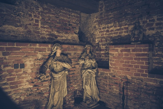 Sculpture church lublin, religion.