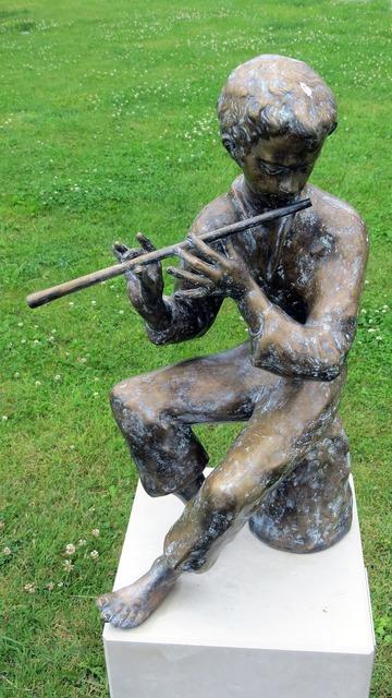 Sculpture music players, music.