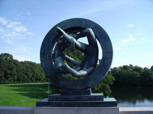 Sculpture norway bronze, people.