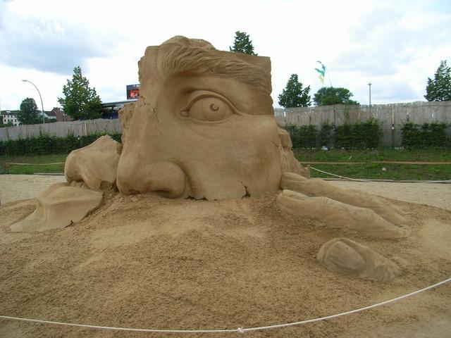 Sculpture sand sand sculpture.